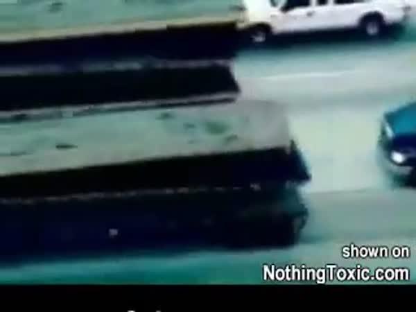 USA - Policejní honička a pomoc Trucků