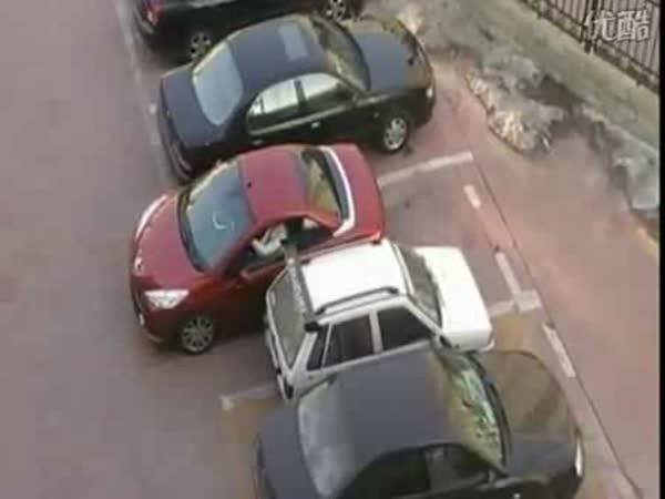 Parkování a odvážná slečna