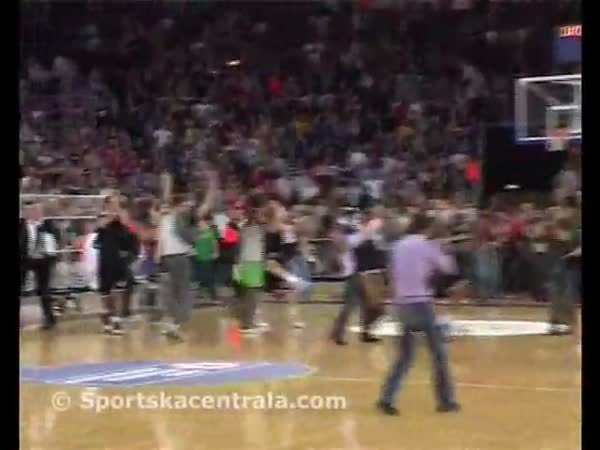 Basketbal - Příliž brzká oslava vítězství