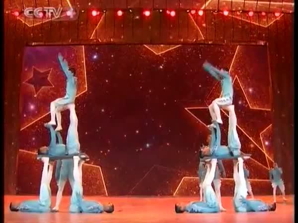 Nádherná show - Čínští gymnasti