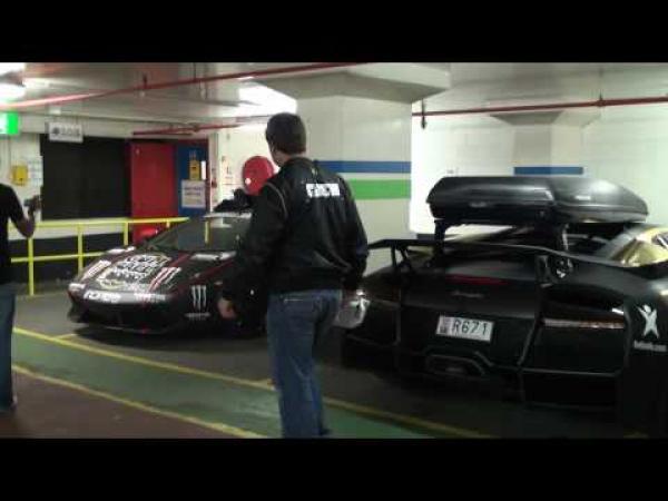 Závod - Gumball 3000 2010 - garáž