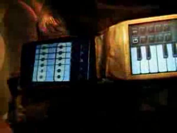 Kytara z mobilních telefonů