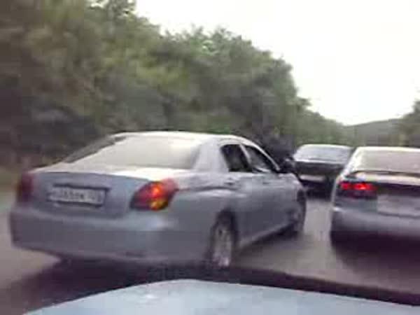Idioti - Machrování na silnici a Policie