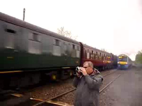 Velké štěstí - Fotograf a vlak