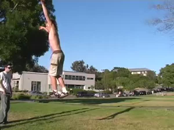 Borec - Andy Lewis - Backflip na laně