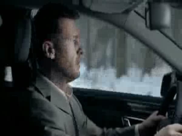 Mercedes je bezpečné auto [reklama]