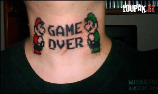 OBRÁZKY - Originální tetování na krku
