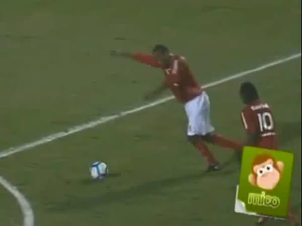 Fotbal - Nepovedený přímý kop