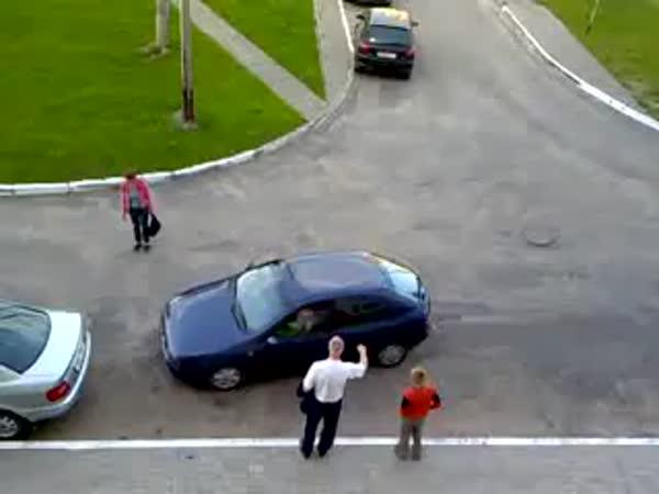 Parkování - Velké ženské trápení