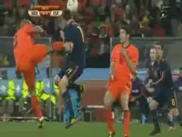 Fotbal This is Sparta - Tvrdý zákrok