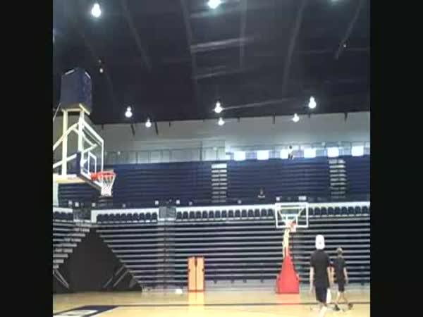 Borec - Basketbal - Šťastný koš