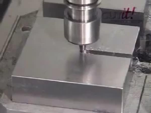 Hrátky - CNC stroj [kompilace]