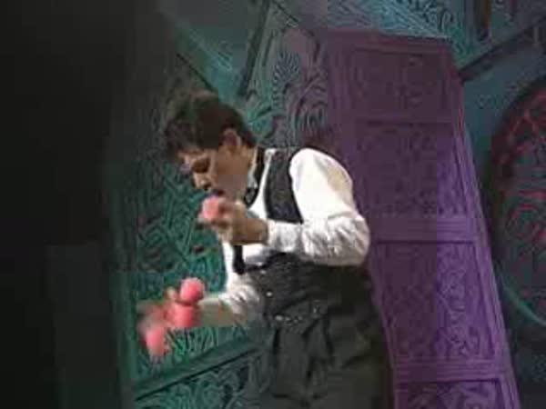 Borec - Žonglování a piano