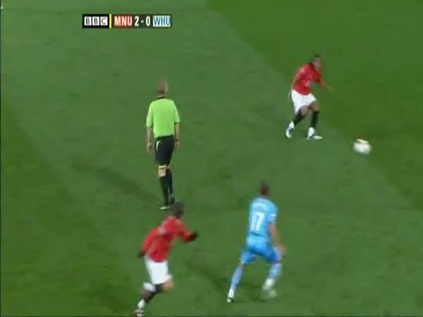 Fotbal - Dimitar Berbatov - skvělá akce