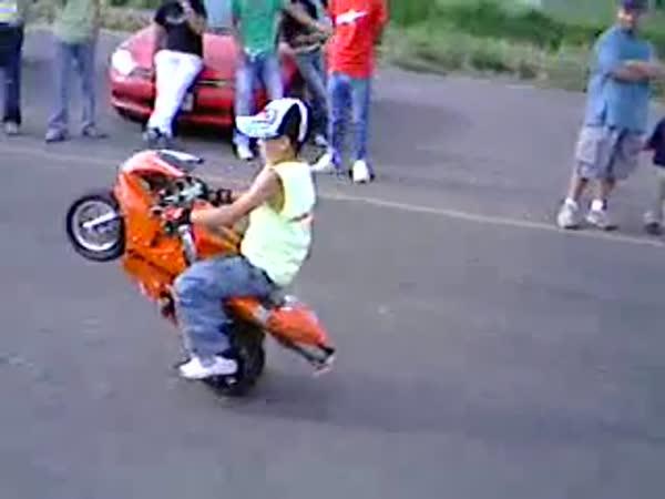 Borec - Synáček motorkáře