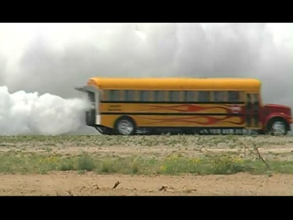 Ďábelský školní autobus