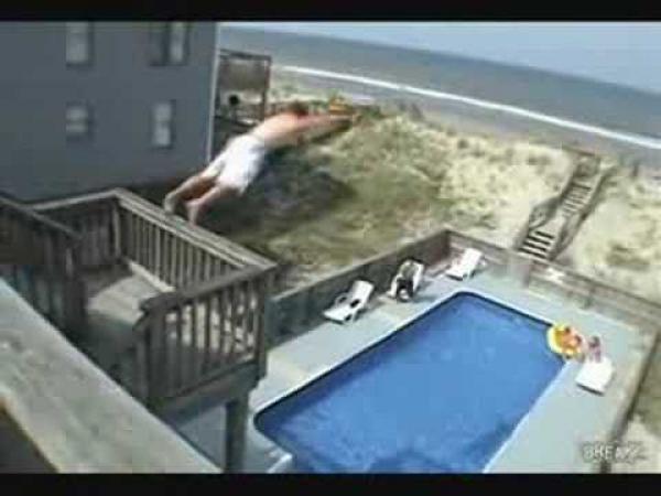Slow motion - Skok do bazénu