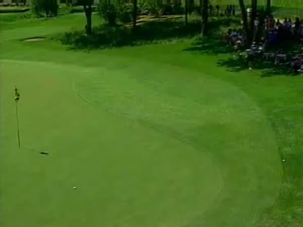 Golf - Dramatický Hole in nne