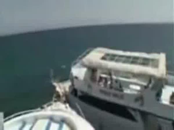 Dopravní nehoda na moři