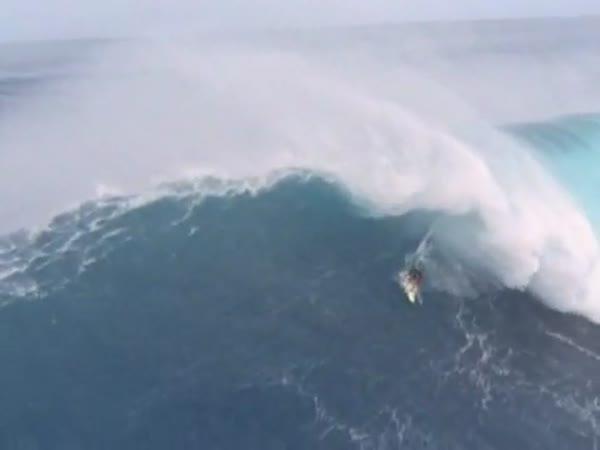 Borec - Velká vlna vs. Surfař