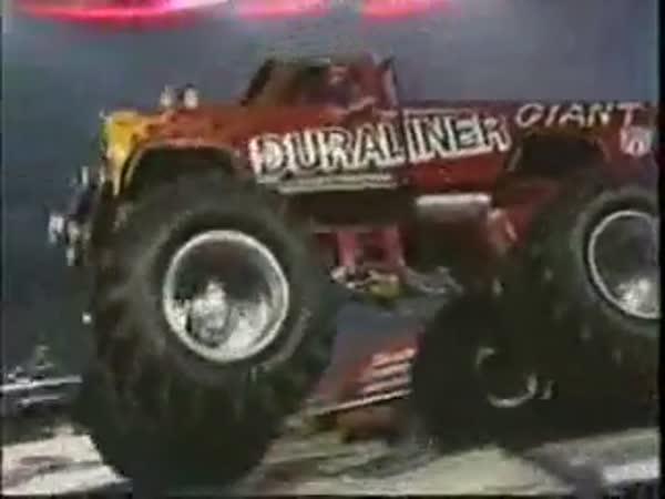 Monster trucky - nehody [kompilace]