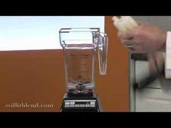Předměty v mixéru - Svítící trubičky