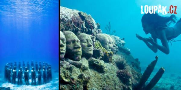 OBRÁZKY - Nádherné sochy pod vodou