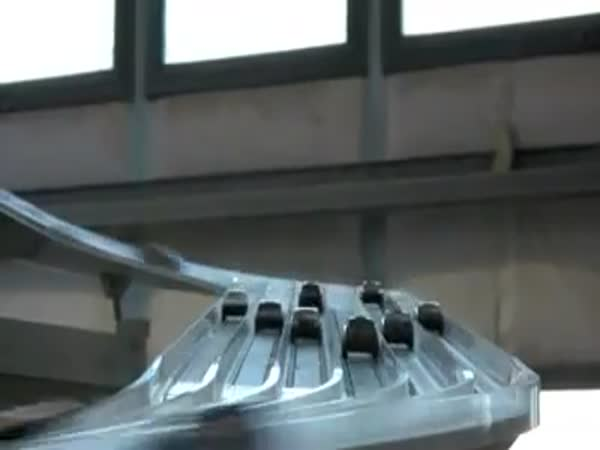 Obří autodráha