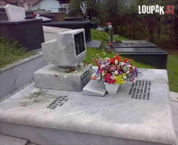 OBRÁZKY - Originální hroby