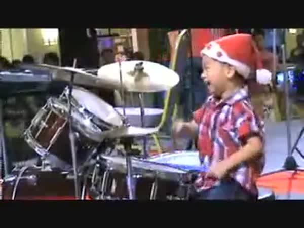 Borec - 3-letý bubeník