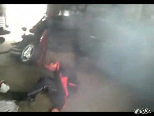 Idiot – Posazení na airbag