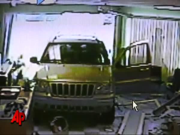 Idiot – Plyn místo brzdy