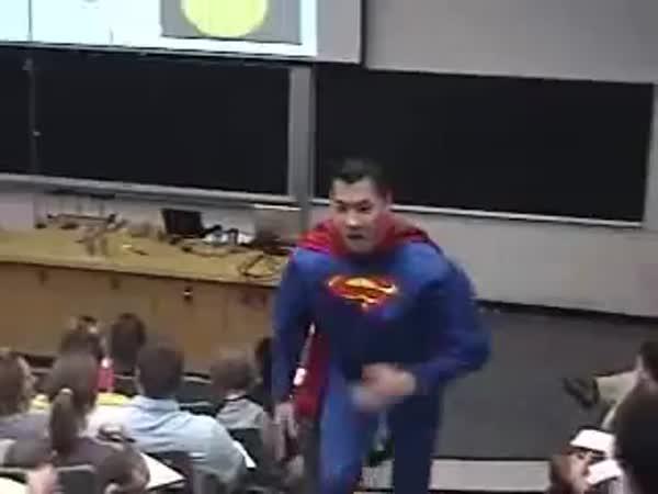 Opuštění přednášky na vysoké škole