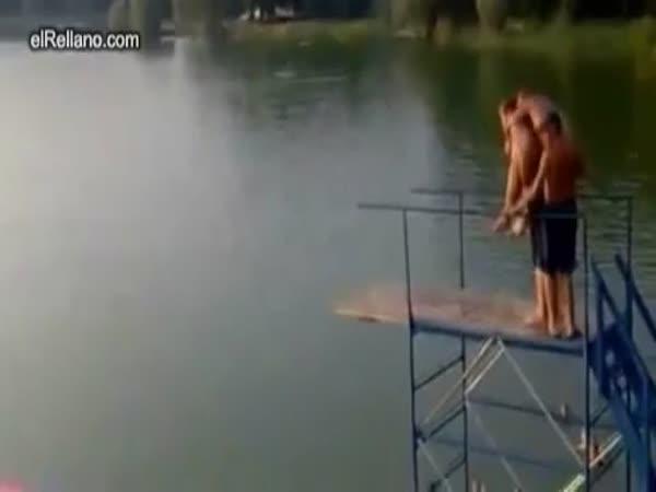 Skok – let do vody