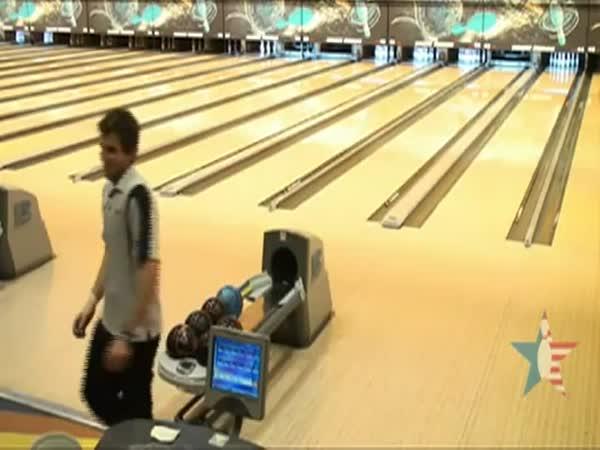 Bowling – tak tomuhle se říká náhoda