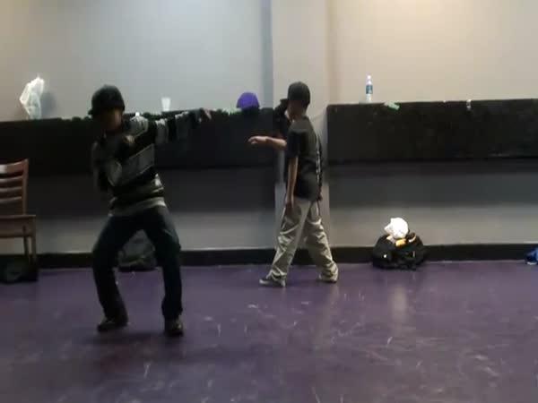 Tři malí taneční borci