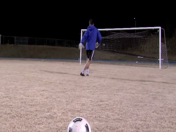 Borec – triky s fotbalovým míčem
