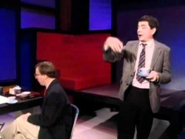 Rowan Atkinson – Přísný ředitel