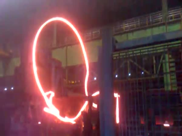 Cool nehoda v továrně na ocel