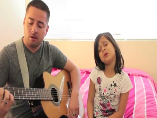 Nadaná malá zpěvačka