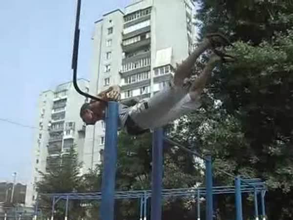 Posilovna - Dětské hřiště