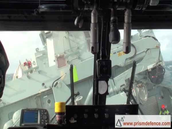 Borec - přistání s vrtulníkem