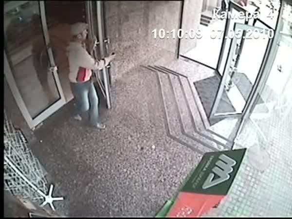 Tady nejsou ale dveře!