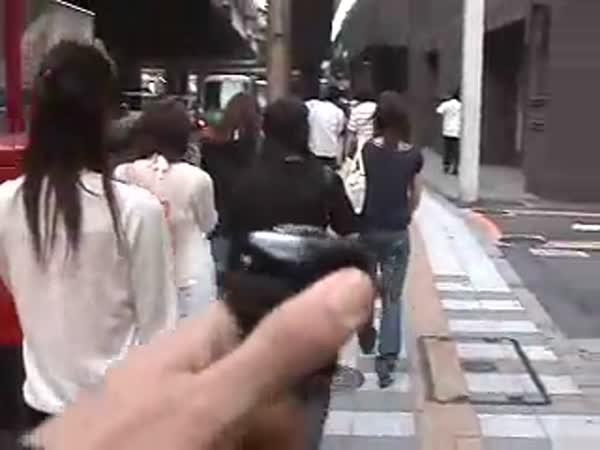 Návod - Jak projít rušnou ulicí