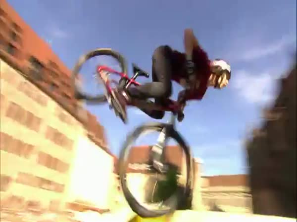 RedBull- District ride 2011