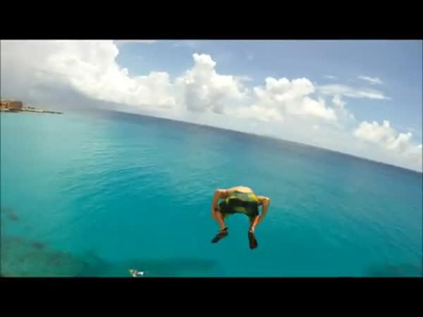 Borec - skok ze střechy hotelu