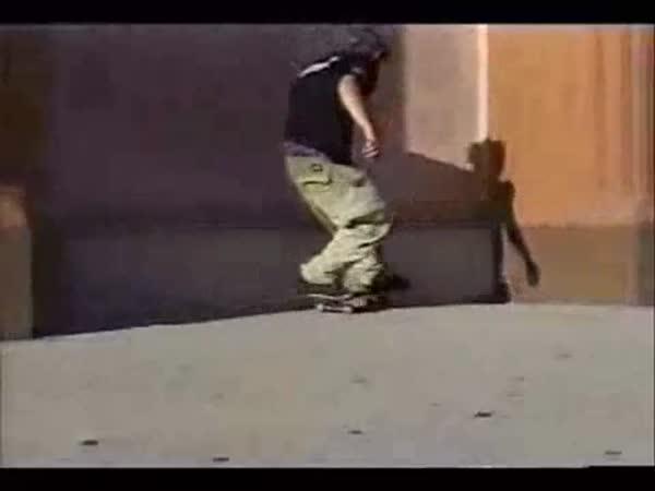 Skateboarding - nejlepší triky [kompilace]