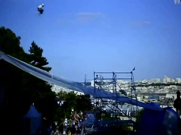 Nejvyšší skok na bruslích - Taïg Khris