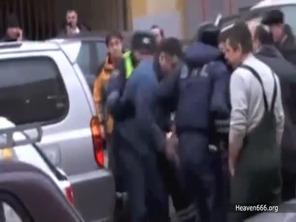 Magor v autě