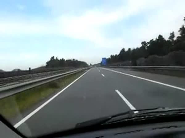 Přes 300 km/h na dálnici